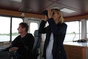 Während regulärer Fahrten der MS Ruschsand konnten Schweinswal-Klickdetektoren in der Weser ausgebracht werden