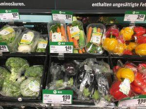Biogemüse und Obst extrem in umweltschädliches Plastik verpackt - muss das sein?